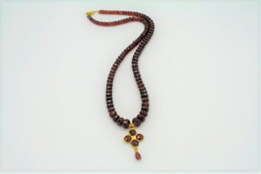 Red Garnet Necklace with graduated red garnets and pendant