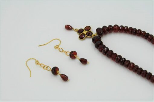 Red Garnet Necklace and Earrings Set with Gold